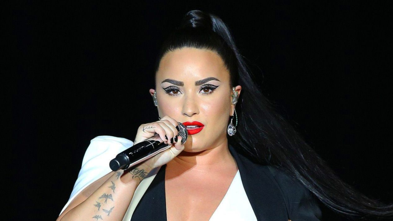 Demi Lovato's backing dancer has a very important message for fans