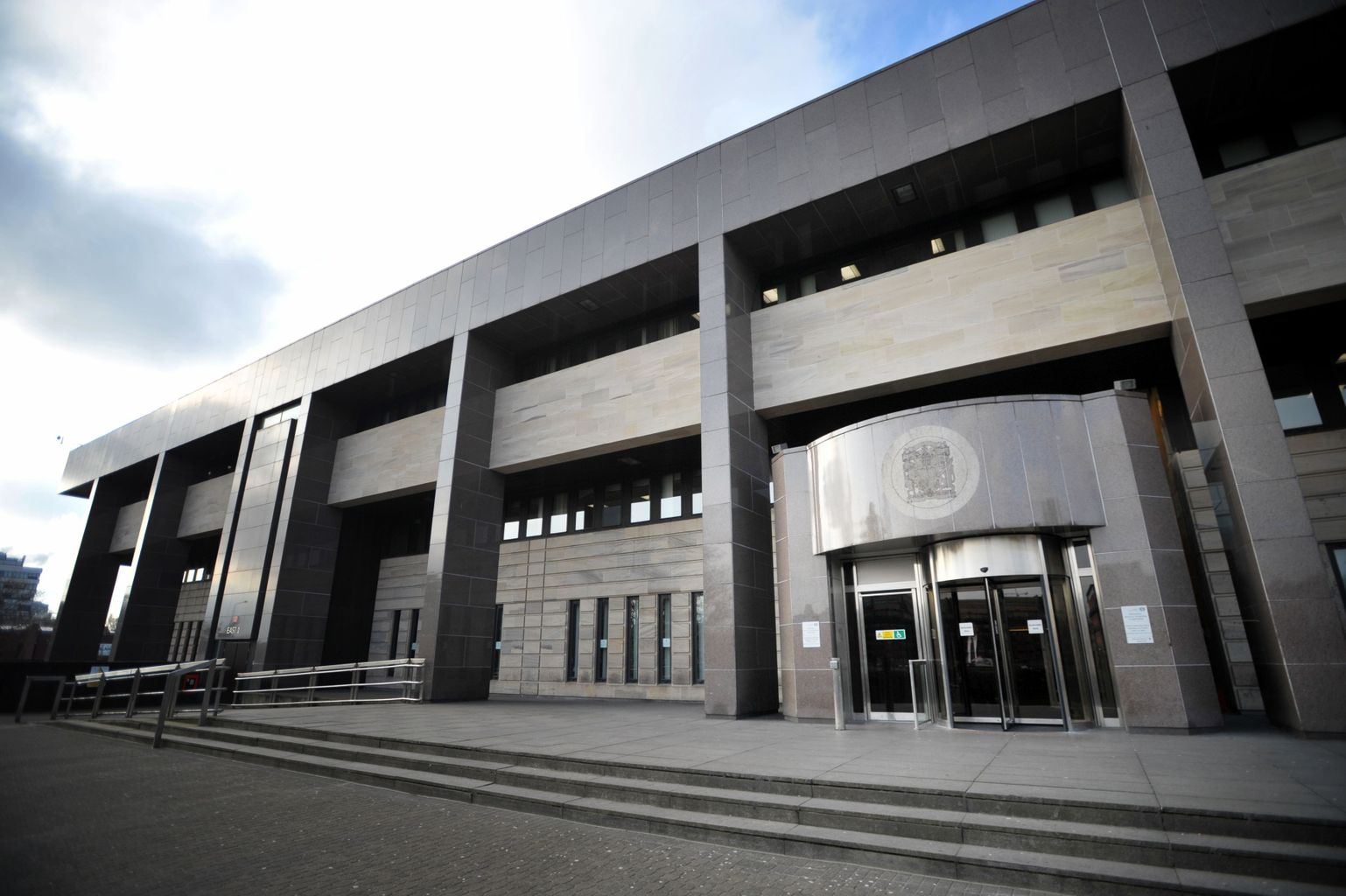 Hamilton man to be sentenced after holding knife to mum's throat and attacking sister