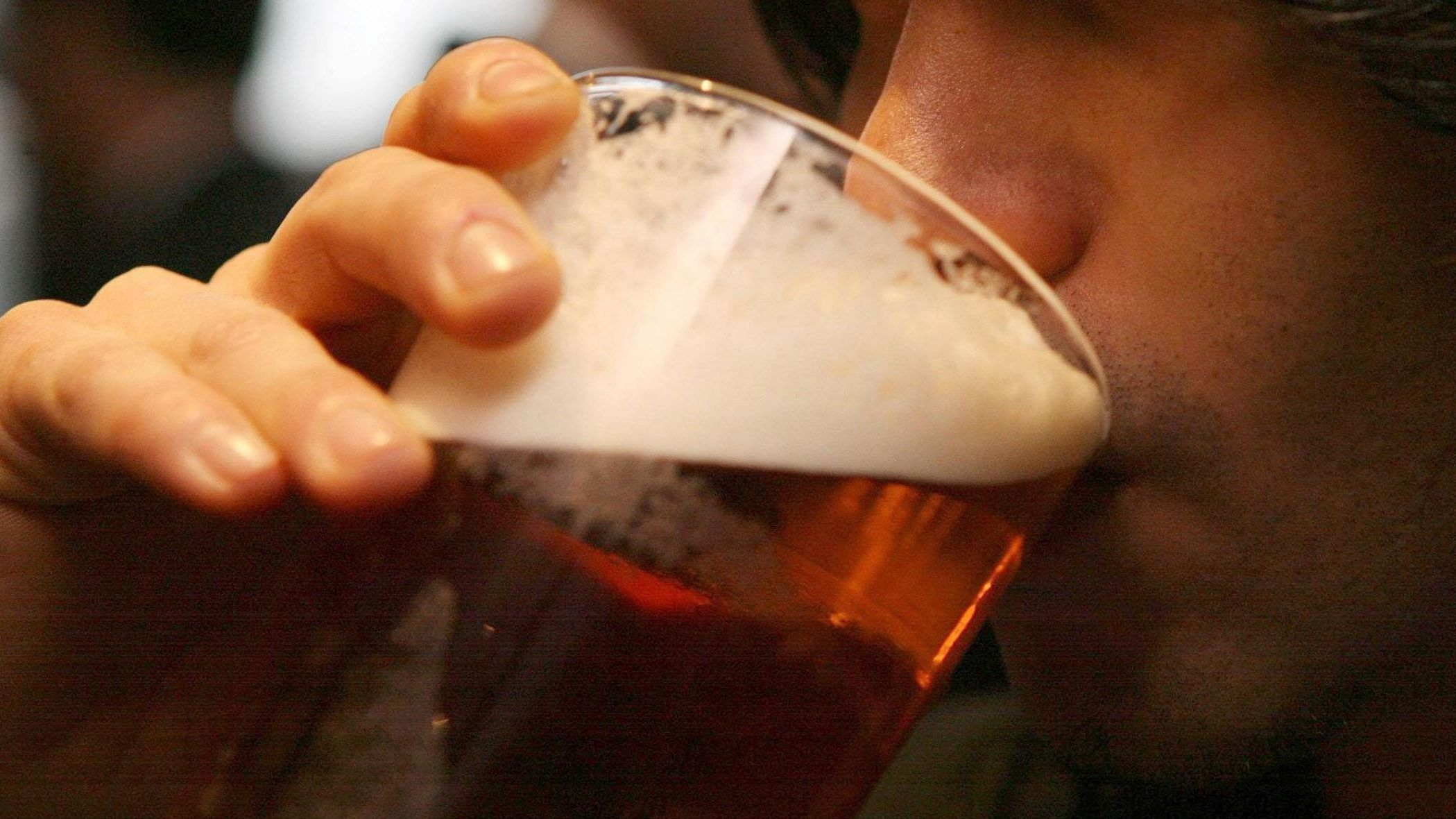 Drinking-up time set to be extended in pubs and clubs across Northern Ireland