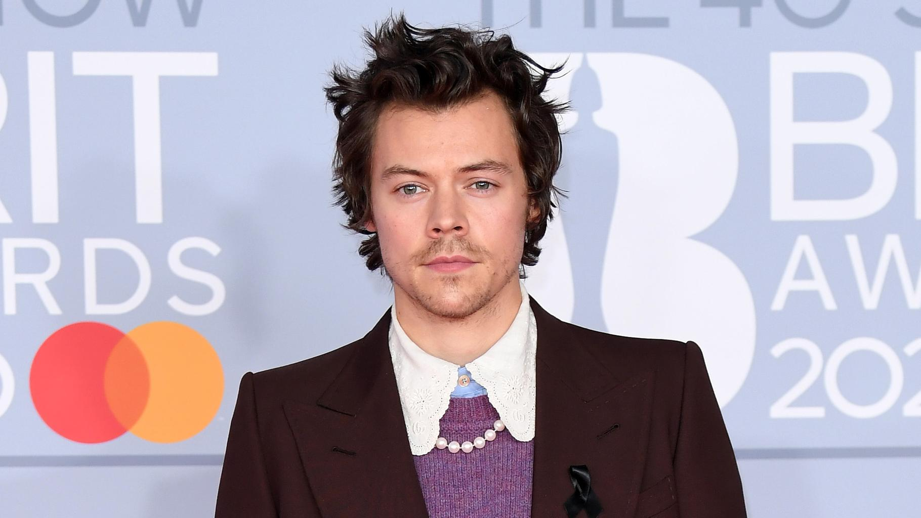 Harry Styles Has Cut His Hair Short Again And Fans Can T Deal With The Pictures
