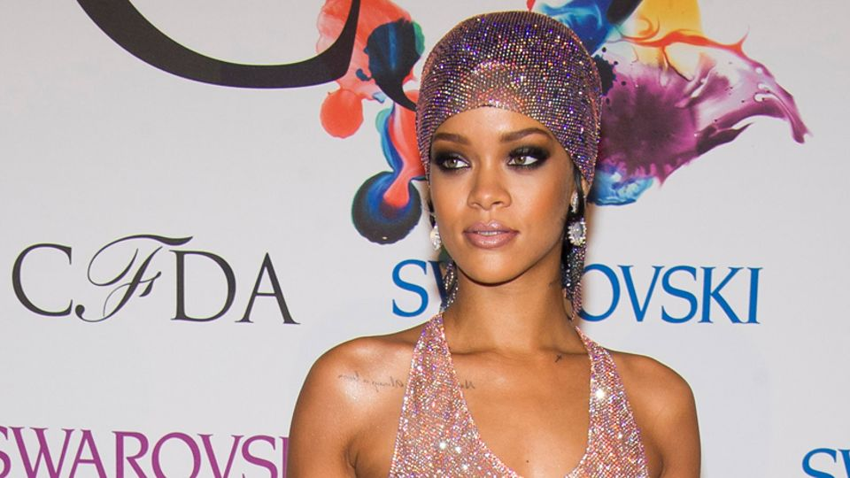 Rihanna Wows In Transparent Dress Adorned With 216 000 Crystals Celebrity Metro Radio